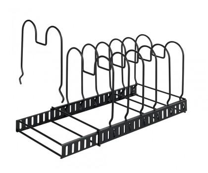 Range poêles couvercles planches